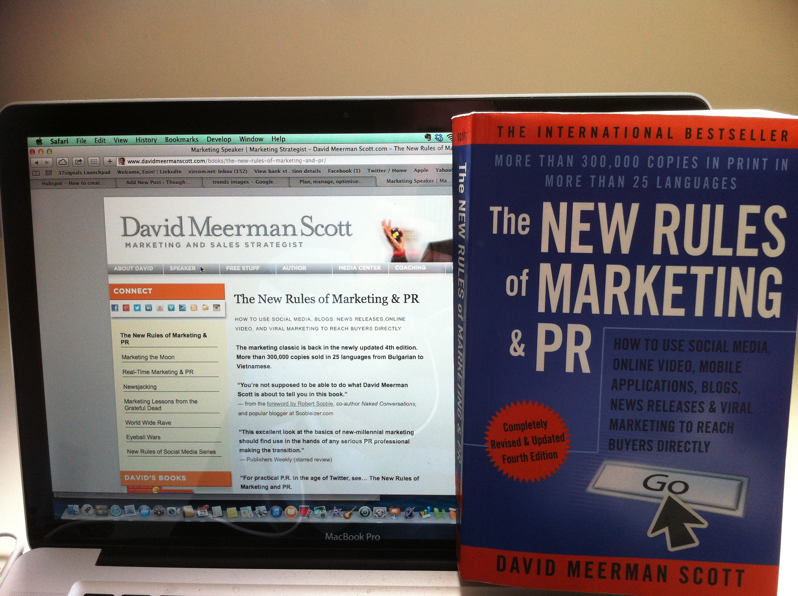Book cover of the New Rules of Marketing and PR